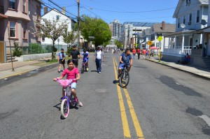 Joyce Kilmer Avenue during Ciclovia
