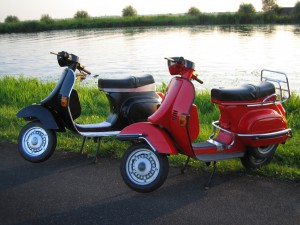 While these are referred to as scooters, they are very different from the stand-up models hitting the streets around the country. Source: Flickr user gillesdesmit